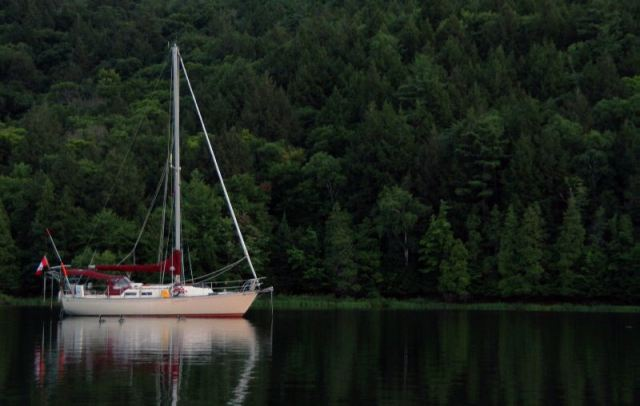 Guinevere is anchored at the Pool in Baie Fine.
